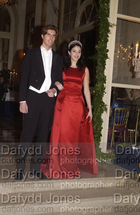 Katherine Embiricos and her escort, Alexis de Bechade. Crillon Debutantes Ball 2002. Paris. 7 December 2002. © Copyright Photograph by Dafydd Jones 66 Stockwell Park Rd. London SW9 0DA Tel 020 7733 0108 www.dafjones.com