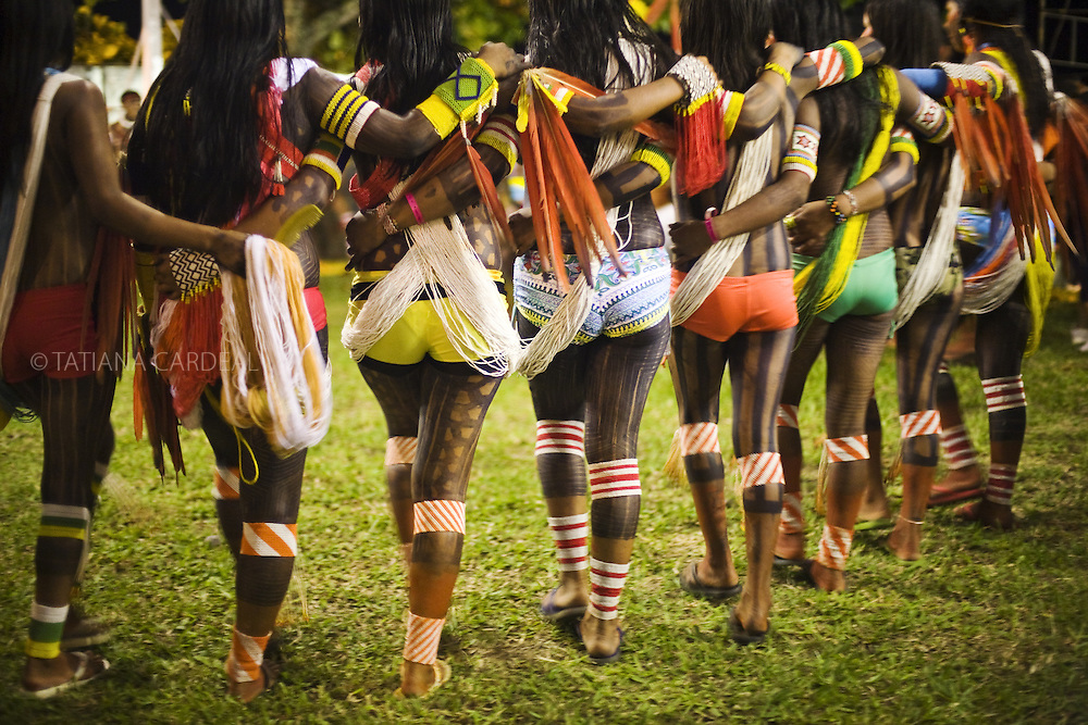 Kayapó women dancing during the Indigenous Festival.