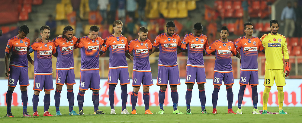 A moment's silence is observed during the first semi final 1st leg of the Hero Indian Super League between FC Pune City and Bengaluru FC held at the Shree Shiv Chhatrapati Sports Complex Stadium, Pune, India on the 7th March 2018<br /> <br /> Photo by: Ron Gaunt / ISL / SPORTZPICS