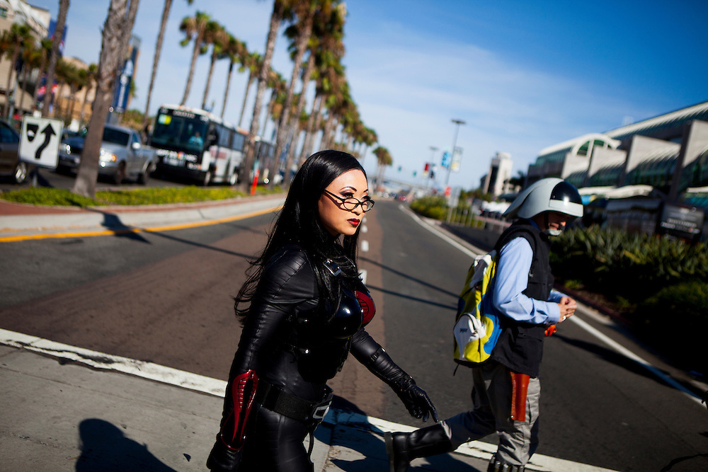 Cosplayer Yaya Han heads to Comic Con dressed as Baroness from G.I. JOE.