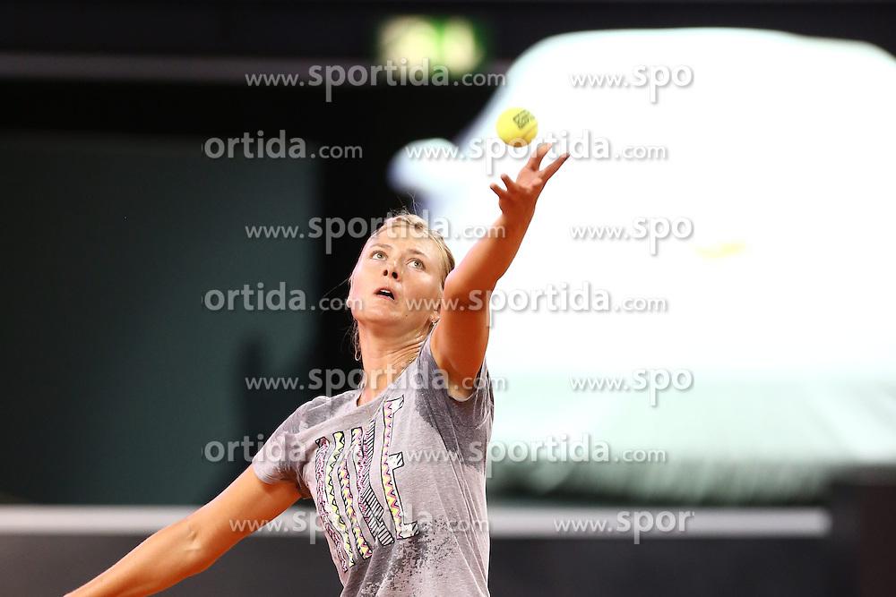 19.04.2014, Porsche-Arena, Stuttgart, GER, WTA Tour, Porsche Tennis Grand Prix Stuttgart 2013, Training, im Bild Maria Sharapova, Marija Jurjewna Scharapowa (RUS) // during a practice Session of Porsche Tennis Grand Prix Stuttgart 2013 of the WTA Tour at the Porsche-Arena in Stuttgart, Germany on 2014/04/19. EXPA Pictures &copy; 2014, PhotoCredit: EXPA/ Eibner-Pressefoto/ eer<br /> <br /> *****ATTENTION - OUT of GER*****
