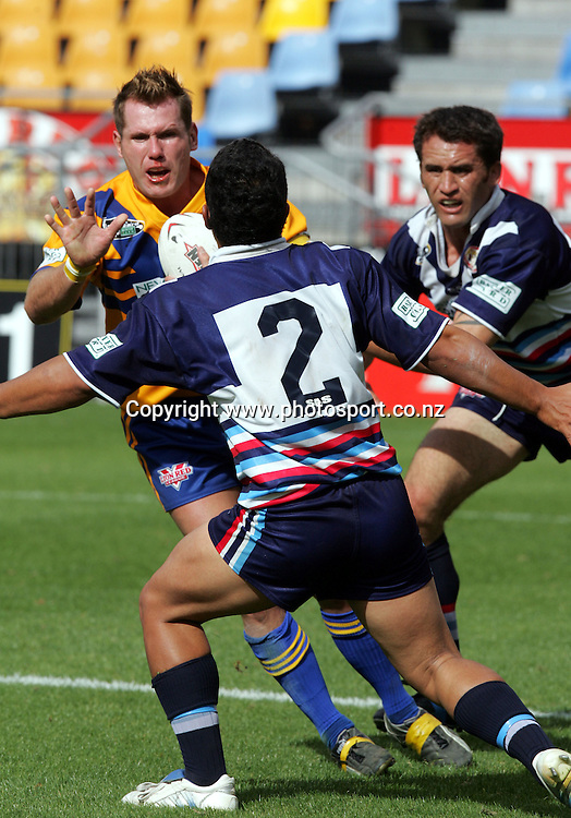 Rowan Baxter of Mt Albert in action during the Barter Card Cup Rugby League game between Mt Albert and Otahuhu/Ellerslie at Ericsson Stadium, Auckland on Sunday 1 May, 2005. Photo: Andrew Cornaga/PHOTOSPORT<br /><br /><br />122487