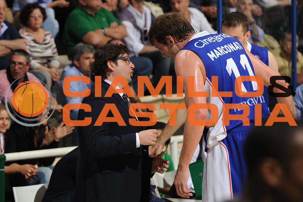 DESCRIZIONE : Siena Lega A 2010-11 Finale Play off Gara 2 Montepaschi Siena Bennet Cantu<br /> GIOCATORE : Andrea Trinchieri<br /> CATEGORIA :  Time Out<br /> SQUADRA : Montepaschi Siena<br /> EVENTO : Campionato Lega A 2010-2011<br /> GARA : Montepaschi Siena Bennet Cantu<br /> DATA : 13/06/2011<br /> SPORT : Pallacanestro<br /> AUTORE : Agenzia Ciamillo-Castoria/GiulioCiamillo<br /> Galleria : Lega Basket A 2010-2011<br /> Fotonotizia : Siena Lega A 2010-11 Finale Play off Gara 2 Montepaschi Siena Bennet Cantu<br /> Predefinita :