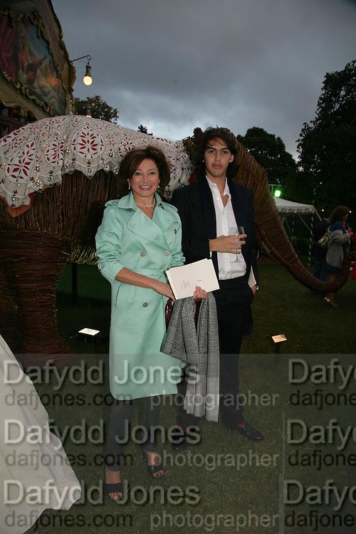 Dorit Zarach and Sebastian Botana, QUINTESSENTIALLY AND ELEPHANT FAMILY TRUNK SHOW PARTY. SERPENTINE PAVILION, HYDE PARK. 16 SEPTEMBER 2007. -DO NOT ARCHIVE-© Copyright Photograph by Dafydd Jones. 248 Clapham Rd. London SW9 0PZ. Tel 0207 820 0771. www.dafjones.com.