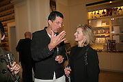 ANTHONY GORMLEY AND ALISON JACKSON, V and A celebrates 150th anniversary. V and A. London. 26 June 2007.  -DO NOT ARCHIVE-© Copyright Photograph by Dafydd Jones. 248 Clapham Rd. London SW9 0PZ. Tel 0207 820 0771. www.dafjones.com.