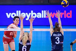 12.06.2018, Porsche Arena, Stuttgart<br /> Volleyball, Volleyball Nations League, Türkei / Tuerkei vs. Niederlande<br /> <br /> Angriff Ebrar Karakurt (#90 TUR) - Block / Doppelblock Maret Balkestein-Grothues (#6 NED), Yvon Belien (#3 NED)<br /> <br /> Foto: Conny Kurth / www.kurth-media.de