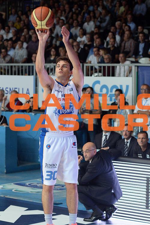DESCRIZIONE : Cant&ugrave; Lega A 2014-15 Acqua Vitasnella Cant&ugrave; vs Sidiga Avellino<br /> GIOCATORE : Stefano Gentile<br /> CATEGORIA : Tiro<br /> SQUADRA : Acqua Vitasnella Cant&ugrave;<br /> EVENTO : Campionato Lega A 2014-2015<br /> GARA : Acqua Vitasnella Cant&ugrave; vs Sidigas Avellino<br /> DATA : 19/10/2014<br /> SPORT : Pallacanestro <br /> AUTORE : Agenzia Ciamillo-Castoria/I.Mancini<br /> Galleria : Lega Basket A 2014-2015<br /> Fotonotizia : Cant&ugrave; Lega A 2014-2015 Acqua Vitasnella Cant&ugrave; vs Sidigas Avellino<br /> Predefinita :
