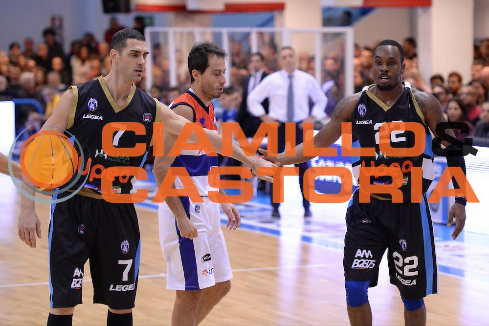 DESCRIZIONE : Brindisi  Lega A 2014-15 Enel Brindisi Upea Capo d'Orlando<br /> GIOCATORE : Soragna Matteo Henry Shek<br /> CATEGORIA : Fair Play <br /> SQUADRA : Upea Capo d'Orlando<br /> EVENTO : Campionato Lega A 2014-2015<br /> GARA :Enel Brindisi Upea Capo d'Orlando<br /> DATA : 21/12/2014<br /> SPORT : Pallacanestro<br /> AUTORE : Agenzia Ciamillo-Castoria/M.Longo<br /> Galleria : Lega Basket A 2014-2015<br /> Fotonotizia : <br /> Predefinita :