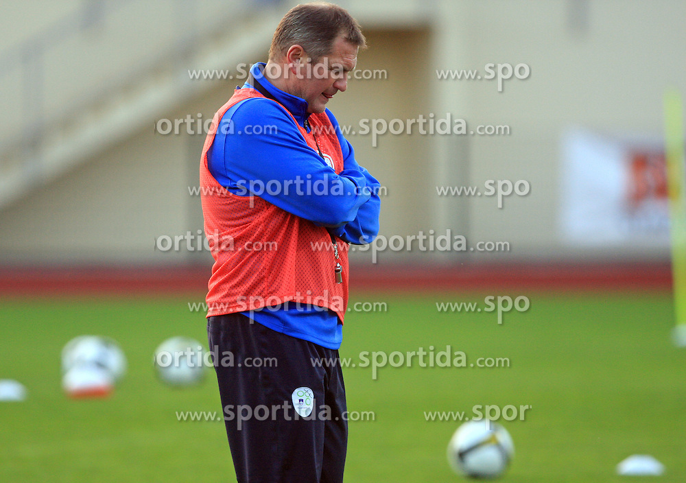 Head coach of Slovenia Matjaz Kek at practice of Slovenian men National team, on October 13, 2008, in Domzale, Slovenia.  (Photo by Vid Ponikvar / Sportal Images)