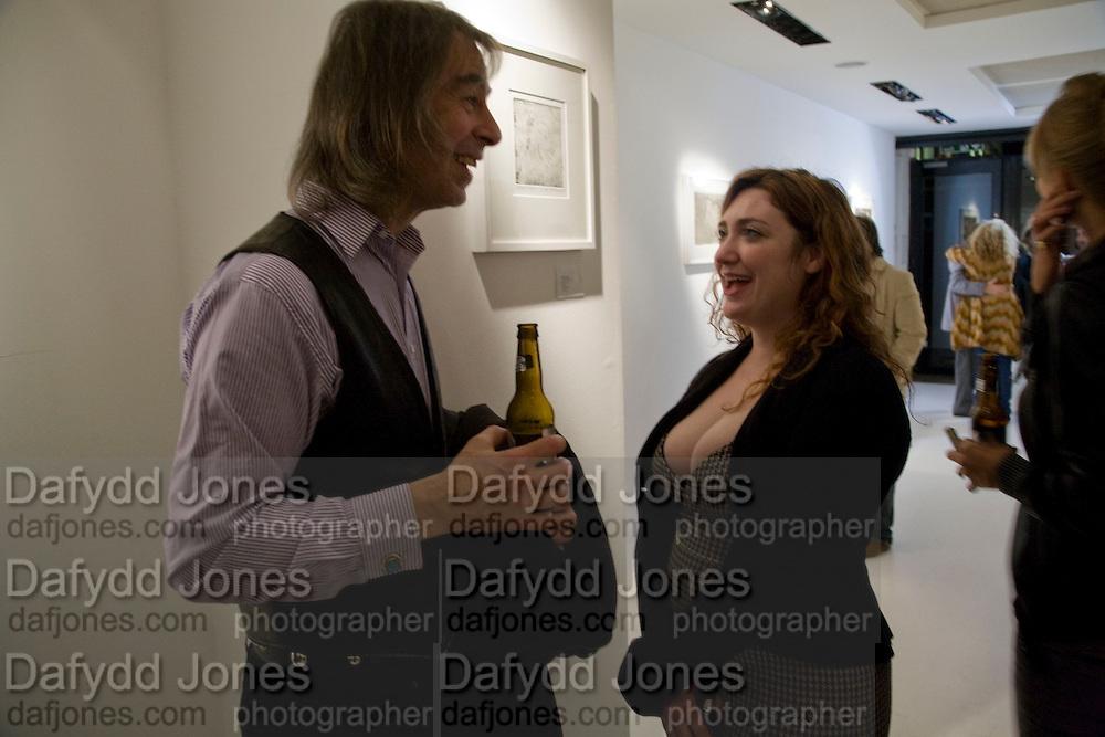 IVOR BRAKA; ELAINE FERGUSON, Elaine Ferguson. ' Texas Blues'. Scream Gallery. Bruton St. London. 11 December 2008 *** Local Caption *** -DO NOT ARCHIVE -Copyright Photograph by Dafydd Jones. 248 Clapham Rd. London SW9 0PZ. Tel 0207 820 0771. www.dafjones.com<br /> IVOR BRAKA; ELAINE FERGUSON, Elaine Ferguson. ' Texas Blues'. Scream Gallery. Bruton St. London. 11 December 2008