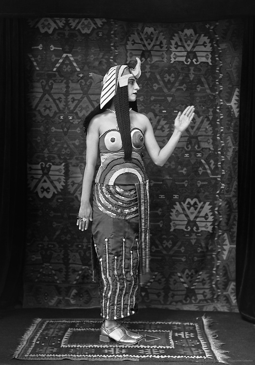 Lubov Tchernicheva as Cleopatra in 'Cléopâtre', London, England, 1918