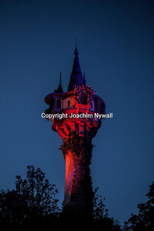 20151116 Orlando Florida USA <br /> Magic Kingdom Disneyworld<br /> Rapunzels torn kv&auml;lls ljus<br /> <br /> <br /> FOTO : JOACHIM NYWALL KOD 0708840825_1<br /> COPYRIGHT JOACHIM NYWALL<br /> <br /> ***BETALBILD***<br /> Redovisas till <br /> NYWALL MEDIA AB<br /> Strandgatan 30<br /> 461 31 Trollh&auml;ttan<br /> Prislista enl BLF , om inget annat avtalas.