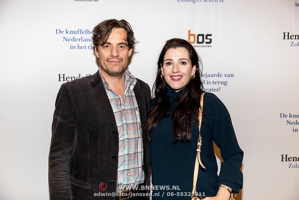 NLD/Amsterdam/20191211 - Hendrik Groen-voorstelling in premiere, Vincent Croiset en partner Tina de Bruin