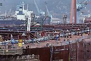 "HYUNDAI shipyard at MIPO BAY, the largest in the world.  Chantier naval HYUNDAI  à MIPO BAY ""le plus grand du monde   ///R27/13    L2578  /  R00027  /  P0003476"
