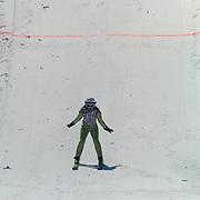 DUI/Hinterzarten/20130212 - Opname Vliegende Hollanders 2013 - Sterren van de Schans, Bibi Breijman springt van de schans