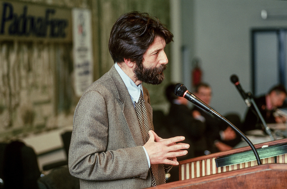 12 MAR 1998 - Padova - Presentazione Movimento del Nord-Est - Massimo Cacciari, sindaco di Venezia.