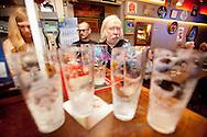 377969-beeldreportage over Café Beveren-volkscafé in Antwerpen met 75jarig Orgel deCap-Vlasmarkt 2 Antwerpen-foto's JOREN DE WEERDT - JDW