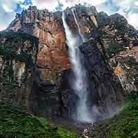 El Salto Angel-Kerepacupai Vena, el salto de agua mas alto del mundo. Edo. Bolivar. Venezuela. The Angel Falls-Kerepakupai Vena, the highest waterfall in the world. Edo. Bolivar. Febrero 28, 2013. Jimmy Villalta.