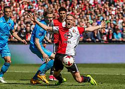 14-05-2017 NED: Kampioenswedstrijd Feyenoord - Heracles Almelo, Rotterdam<br /> In een uitverkochte Kuip pakt Feyenoord met een 3-0 overwinning het landskampioenschap / Nicolai Jorgensen #9 versiert een strafschop