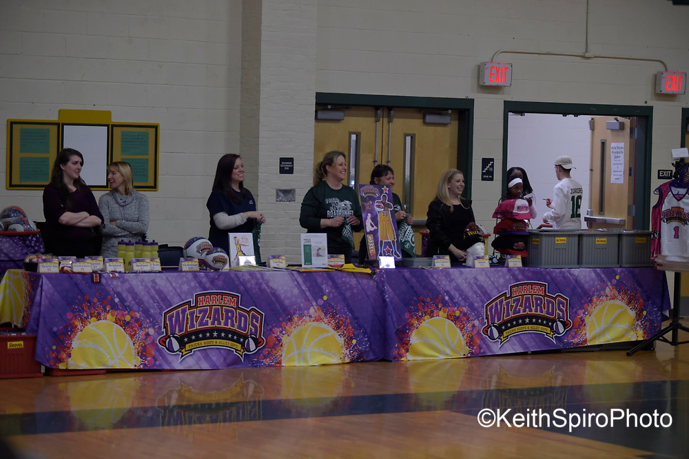 the #HarlemWizards played Manchester NH High School Central #slamtastic event.