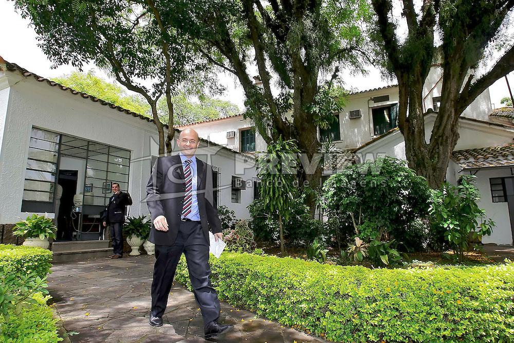 Aod Cunha, coordenador do grupo de transição de governo da governadora eleita do Rio Grande do Sul, Yeda Crusius na sede da PROCERGS. FOTO: Jefferson Bernardes/Preview.com