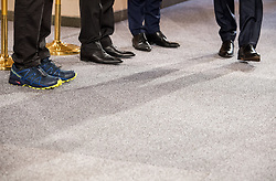 24.01.2018, Hofburg, Wien, Pyeongchang 2018, Vereidigung der Olympia-Mannschaft durch den Bundespräsidenten, im Bild Feature Sportschuhe und Anzug-Halbschuhe // during the swearing-in of the Austrian National Olympic Committee for Pyeongchang 2018 at Hofburg in Vienna, Austria on 2018/01/24, EXPA Pictures © 2018 PhotoCredit: EXPA/ Michael Gruber