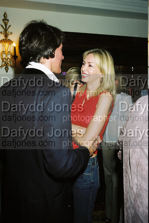 Amanda Cronin and Tim Jeffreys. Candace Bushnell book party. Harington's. London. 1 February 2001. © Copyright Photograph by Dafydd Jones 66 Stockwell Park Rd. London SW9 0DA Tel 020 7733 0108 www.dafjones.com