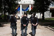 Venezia - 57 Bienna di Arti Visive. Palazzo delle Esposizioni. Misure di sicurezza. Polizia.