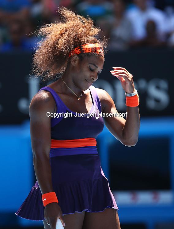 Australian Open 2013, Melbourne Park,ITF Grand Slam Tennis Tournament,.Serena Williams (USA) aergert sich ueber einen vergebenen Punkt,Einzelbild,.Halbkoerper,Hochformat,