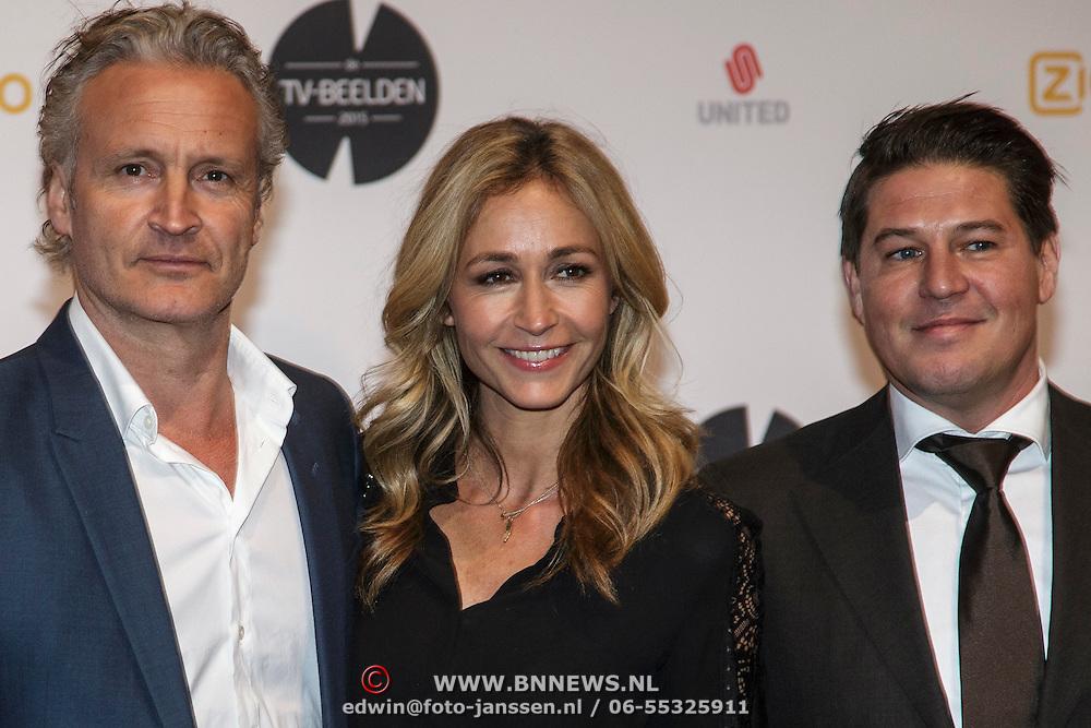 NLD/Amsterdam/20150302 - Uitreiking TV Beelden 2015, Erland Galjaard en partner Wendy van Dijk en Martijn Krabbe