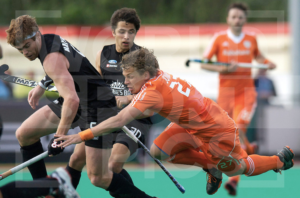 ROTTERDAM - Hock World League Semi Final Men<br /> Netherlands v New Zealand<br /> foto: George Muir and Constantijn Polkamp.<br /> FFU PRESS AGENCY COPYRIGHT FRANK UIJLENBROEK