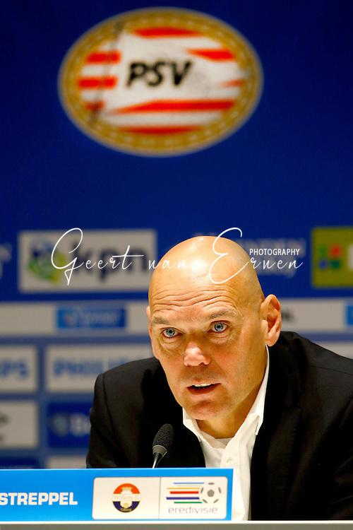 09-04-2016 VOETBAL:PSV:WILLEM II:EINDHOVEN<br /> Trainer/Coach Jurgen Streppel van Willem II tijdens de persconferentie <br /> <br /> Foto: Geert van Erven