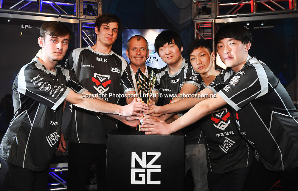 Tigereye pose for a team photo after defeating King V playing League of Legends. E-sports NZ Gaming Championship Grand Final. Auckland, New Zealand. Letsplay.live. Wednesday 12 October 2016© Copyright photo: Andrew Cornaga / www.photosport.nz