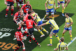 A general view of match action during the French Top 14 Semi Final match between ASM Clermont Auvergne and RC Toulon at the Stade Municipal on June 3, 2012 in Toulouse, France.
