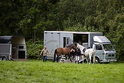 Transport<br /> LRV dressuur - Bevel (Nijlen) 2020<br /> Minderhout 2020<br /> © Hippo Foto - Dirk Caremans<br /> 11/07/2020