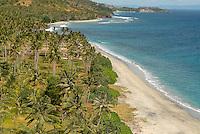 Indonesie. Lombok. Plage sauvage à l'ouest de l'île. // Indonesia. West Lombok. Wild beach.