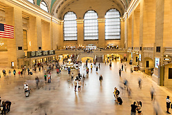 THEMENBILD - Grand Central Terminal ist ein Bahnhof fuer Pendlerzuege und die Schnellbahn in Midtown Manhattan, im Bild eine Innenansicht mit einer Belichtungszeit von 1,3 Sekunden, Aufgenommen am 08. August 2016 // Grand Central Terminal is a commuter, rapid transit railroad terminal at 42nd Street and Park Avenue in Midtown Manhattan. The picture shows the interior with an exposure time of 1,3 seconds, New York City, United States on 2016/08/08. EXPA Pictures © 2016, PhotoCredit: EXPA/ Sebastian Pucher