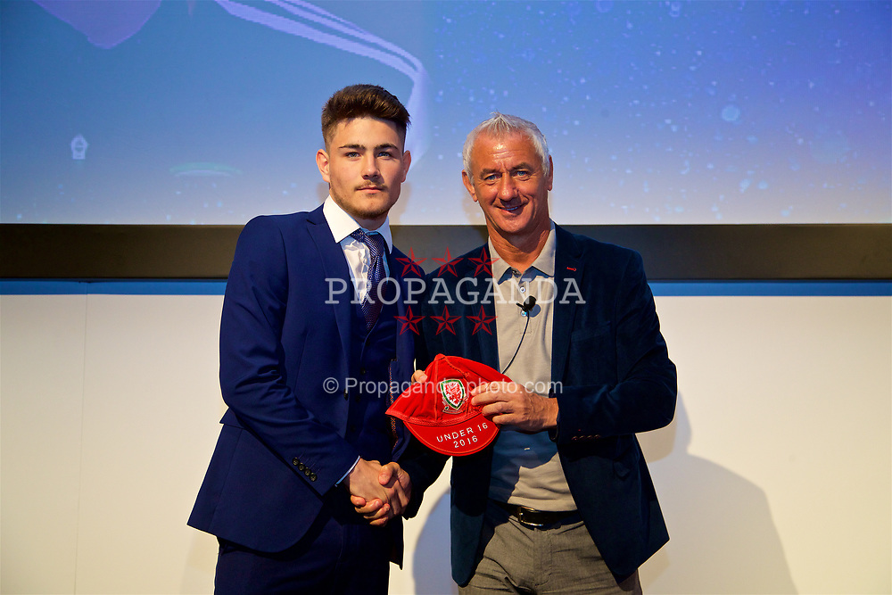 NEWPORT, WALES - Saturday, May 27, 2017: Scott Reed receives his Under-16 Wales cap from Wales' Elite Performance Director Ian Rush at the Celtic Manor Resort. (Pic by David Rawcliffe/Propaganda)
