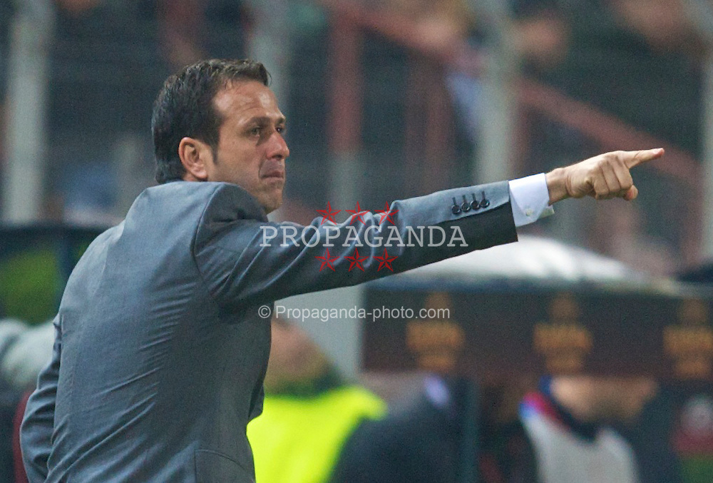 BUCHAREST, ROMANIA - Thursday, February 25, 2010: FC Unirea Urziceni's head coach Roni Levy during the UEFA Europa League Round of 32 2nd Leg match at the Steaua Stadium. (Photo by David Rawcliffe/Propaganda)