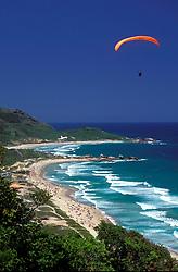 Florianopolis, Santa Catarina, Brasil..Voo de paraglide na Praia Mole./ Paraglide at Soft beach..Foto ©Marcos Issa/Argosfoto
