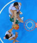 DESCRIZIONE : Kaunas Lithuania Lituania Eurobasket Men 2011 Quarter Final Round Spagna Slovenia Spain Slovenia<br /> GIOCATORE : Pau Gasol<br /> CATEGORIA : special stoppata<br /> SQUADRA : Spagna Spain Slovenia<br /> EVENTO : Eurobasket Men 2011<br /> GARA : Spagna Slovenia Spain Slovenia<br /> DATA : 14/09/2011<br /> SPORT : Pallacanestro <br /> AUTORE : Agenzia Ciamillo-Castoria/T.Wiendesohler<br /> Galleria : Eurobasket Men 2011<br /> Fotonotizia : Kaunas Lithuania Lituania Eurobasket Men 2011 Quarter Final Round Spagna Slovenia Spain Slovenia<br /> Predefinita :