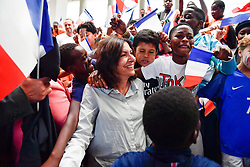 June 16, 2018 - Paris, Ile-de-France, France - The Mayor of Paris will be present on June 16, 2018, alongside 700 young Parisians gathered Saturday at the gymnasium Léo Lagrange (12th) to attend the broadcast of the first match of the French Team for the Football World Cup in Russia. (Credit Image: © Julien Mattia/NurPhoto via ZUMA Press)