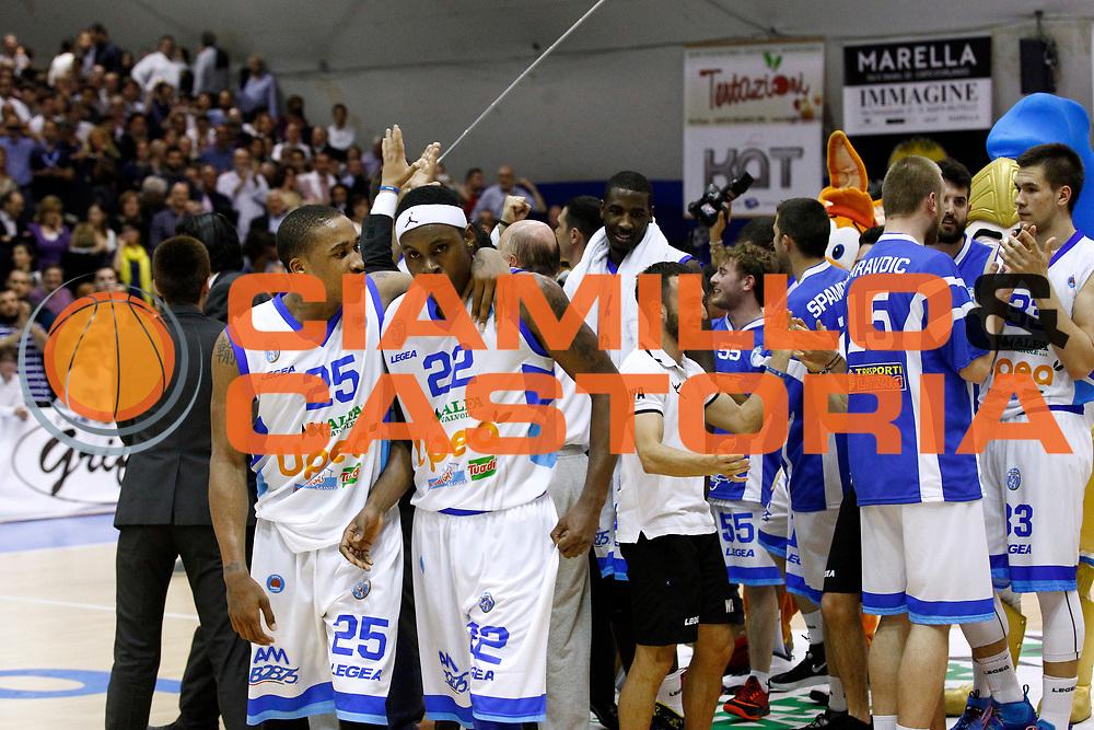 DESCRIZIONE : Capo dOrlando Lega A 2014-15 Orlandina Basket Olimpia Emporio Armani EA7 Milano<br /> GIOCATORE : Tyrus McGee Sek Henry<br /> CATEGORIA : Esultanza delusione<br /> SQUADRA : Orlandina Basket EA7 Emporio Armani Olimpia Milano<br /> EVENTO : Campionato Lega A 2014-2015 <br /> GARA : Orlandina Basket EA7 Emporio Armani Olimpia Milano<br /> DATA : 19/04/2015<br /> SPORT : Pallacanestro <br /> AUTORE : Agenzia Ciamillo-Castoria/G.Pappalardo<br /> Galleria : Lega Basket A 2014-2015<br /> Fotonotizia : Capo dOrlando Lega A 2014-15 Orlandina Basket EA7 Emporio Armani Olimpia Milano