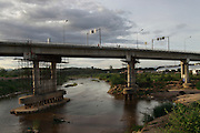 "The ""Thai-Myanmar friendship bridge"" link the city of Mae sot in Thailand and Myawaddy in Myanmar."