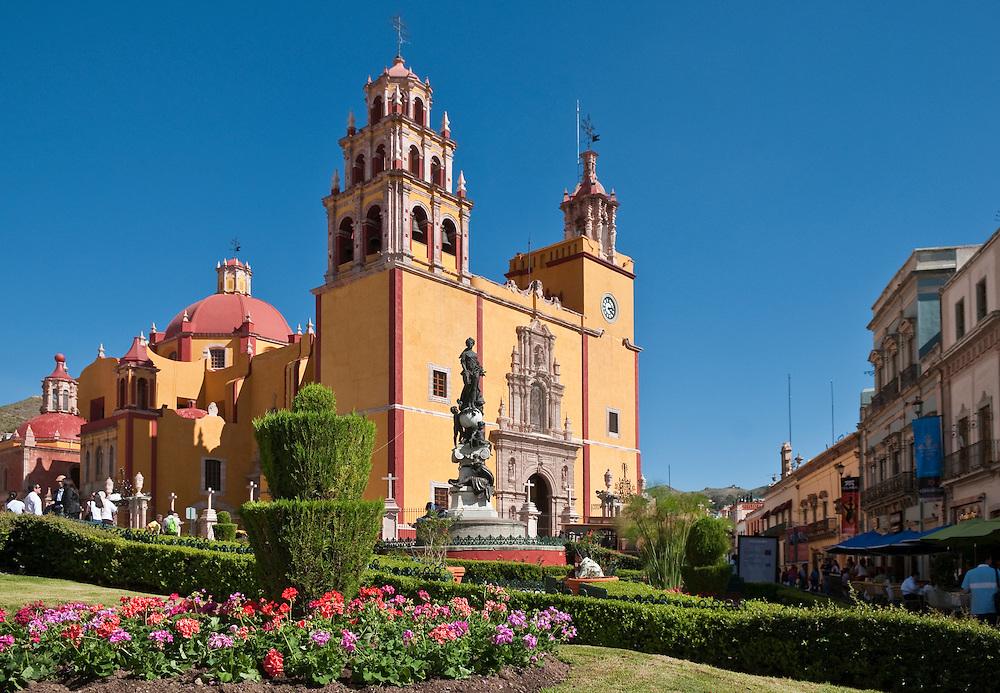 Basilica de Nuestra Señora de Guanajuato and Plaza de la Paz; Guanajuato, Mexico.