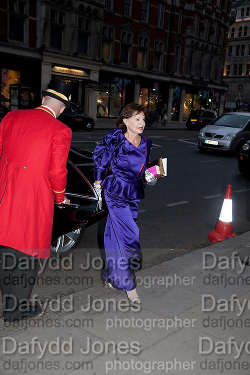 guests arriving at the mandarin Oriental, Prince Albert II of Monaco fiancee Charlene Wittstock arrives Gala pre-royal  wedding dinner held at the Mandarin Oriental Hyde Park. LONDON.  on April 28-DO NOT ARCHIVE-© Copyright Photograph by Dafydd Jones. 248 Clapham Rd. London SW9 0PZ. Tel 0207 820 0771. www.dafjones.com.