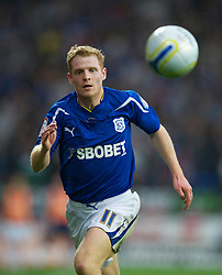 CARDIFF, WALES - Tuesday, May 17, 2011: Cardiff City's Chris Burke in action against Reading during the Football League Championship Play-Off Semi-Final 2nd Leg match at the Cardiff City Stadium. (Photo by David Rawcliffe/Propaganda)