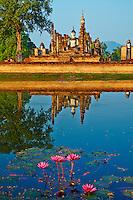 Thailande, province de Sukhothai, parc archeologique de Sukhothai, Patrimoine mondial de l'UNESCO, Wat Mahatat // Thailand, Sukhothai, Sukhothai Historical Park, World Heritage by UNESCO, Wat Mahatat