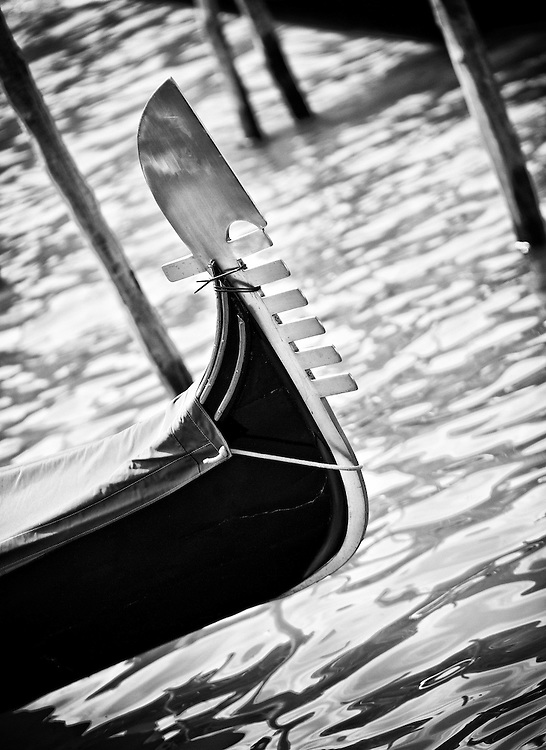 Italy - Venezia - Gondola detail BW