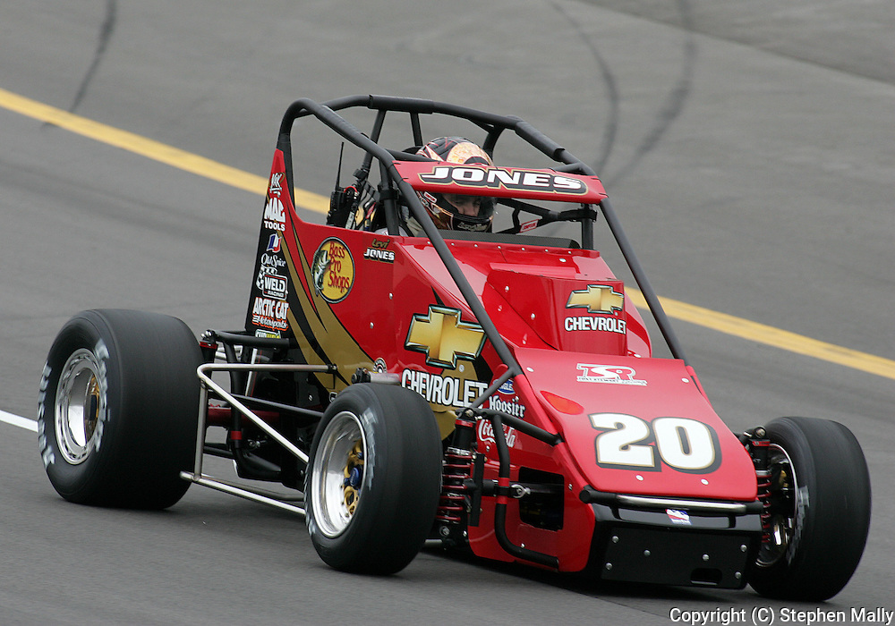 05 MAY 2007: Levi Jones (20) of Tony Stewart Racing practices in his midget car before the Casey's General Stores USAC Triple Crown at the Iowa Speedway in Newton, Iowa on May 5, 2007.